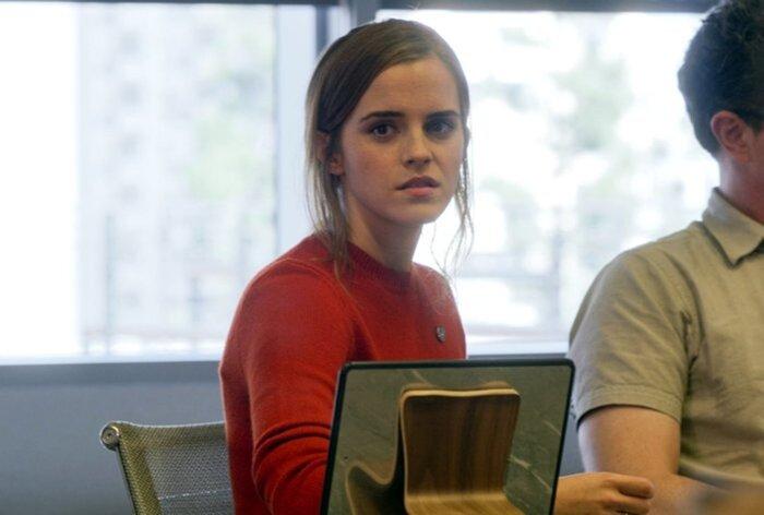 Эмма Уотсон и Том Хэнкс обсуждают фильм «Сфера» и угрозы мира соцсетей с главой Твиттера. Онлайн-репортаж