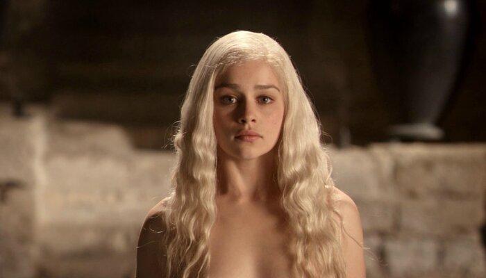 Эмилия Кларк из «Игры престолов» разделась для нового фильма. Фото. 18+