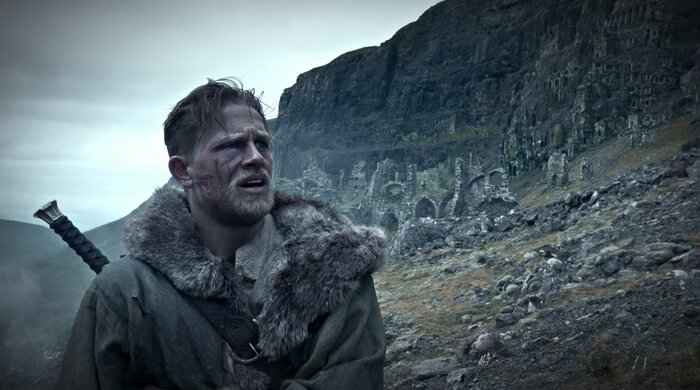 Стоит ли смотреть «Меч короля Артура»: первые отзывы