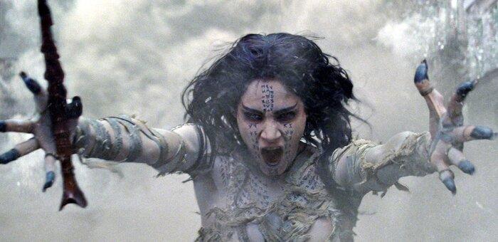 Столкновение «киновселенных»: «суперстудии» борются за зрителей