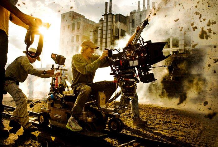 Режиссёр «Трансформеров» устроил настоящие взрывы на съёмках. Видео