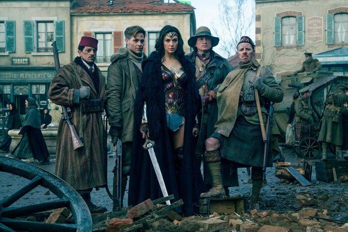 Касса США: «Чудо-женщина» стала самым кассовым фильмом американского проката, снятым женщиной-режиссёром