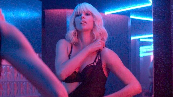 Стоит ли смотреть «Взрывную блондинку» с Шарлиз Терон: первые отзывы
