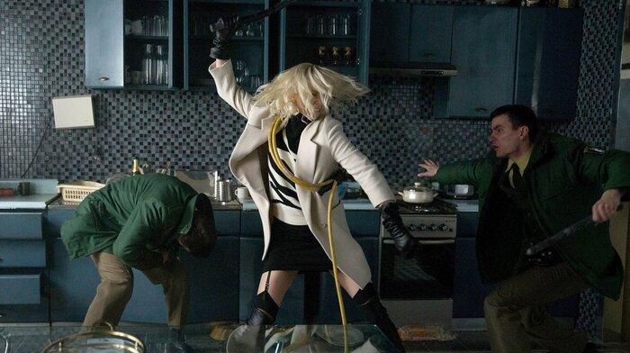 Касса России: «Взрывная блондинка» показала силу Шарлиз Терон, а мультфильмы выигрывают за счёт летних каникул