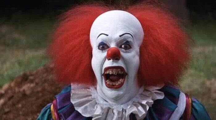 Сериал «Происхождение всего» отразил эволюцию образа клоуна-убийцы. Видео