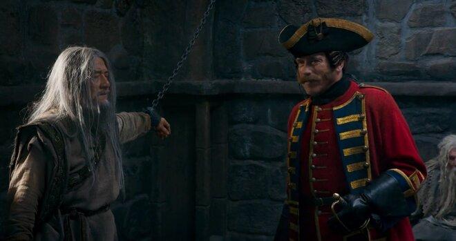 Герои Джеки Чана и Шварценеггера сталкиваются в тюрьме: отрывок из «Тайны Печати дракона»