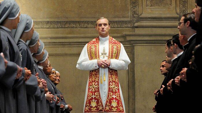 Ватикан впервые оценил сериал «Молодой Папа» с Джудом Лоу
