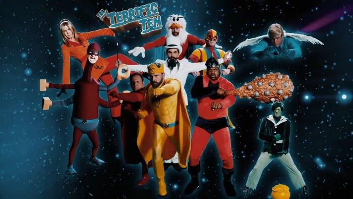 Аффлек, Дэймон и Энистон сыграли в пародийной короткометражке о супергероях