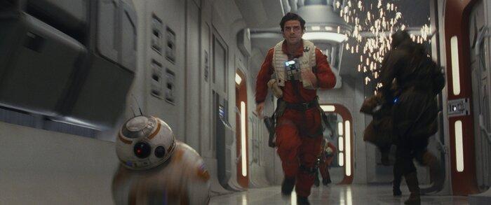 Касса США: фантастический экшен «Звёздные войны: Последние джедаи» без проблем обошёл сиквел «Джуманджи» (22.12-24.12.2017)