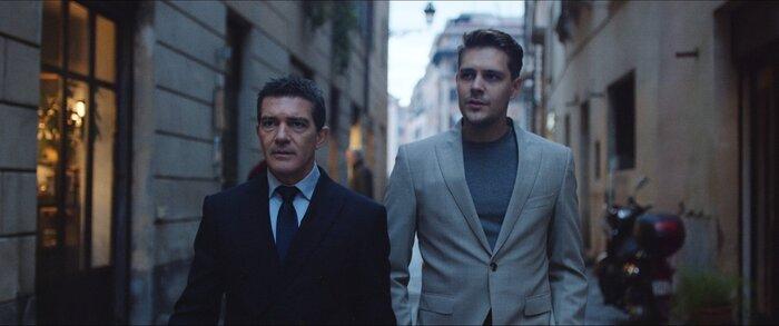 Авантюрный фильм «За гранью реальности» с Бандерасом выходит в прокат
