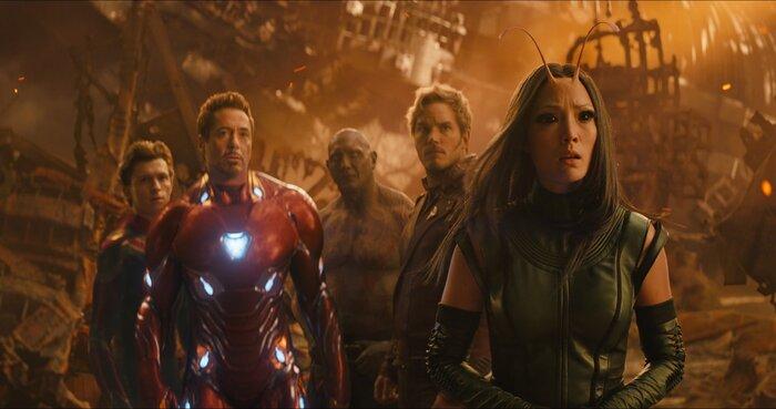 «Индустрия кино»: звёзды новых «Мстителей» - про съёмки в уникальном блокбастере