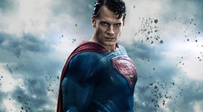«Супермен» Генри Кавилл неудачно пошутил про изнасилования