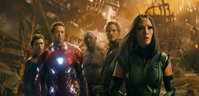 «Мстители 4»: зрителей запутали странным фото