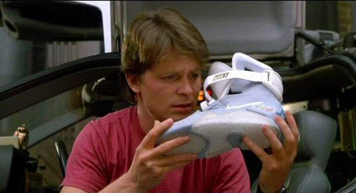 Как в фильме «Назад в будущее»: представлены самошнурующиеся кроссовки
