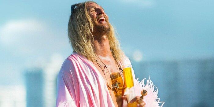 «Пляжный бездельник» - самый жизнерадостный фильм весны. Отзывы критиков
