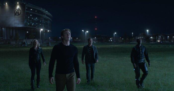 Кинокомикс «Мстители: Финал» устремился в погоню за «Аватаром» и «Движением вверх»