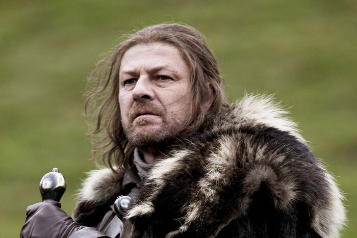 Финал «Игры престолов» можно было угадать по постеру первого сезона