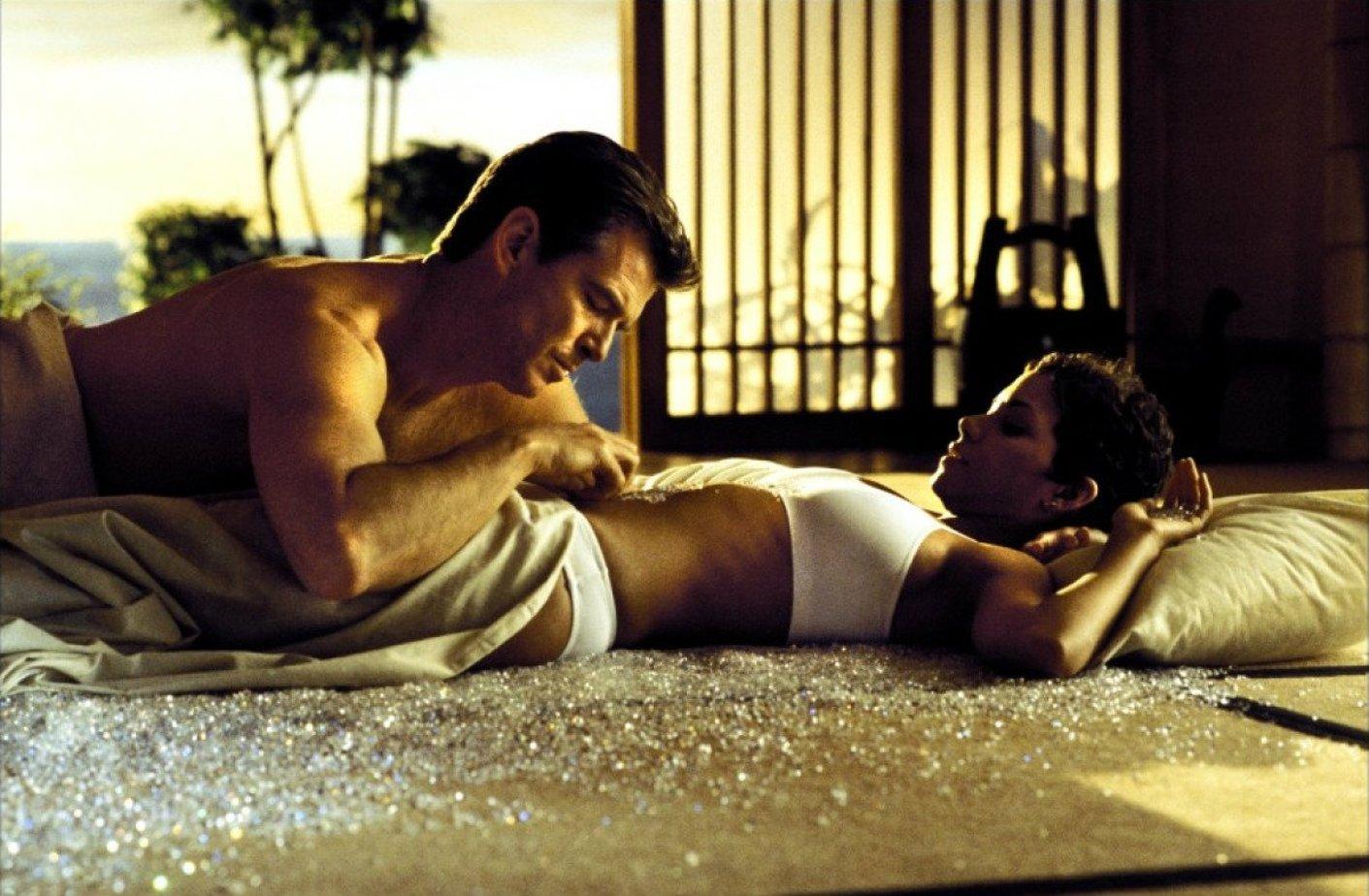 Секс голая женщина и мужчина голый фильм фильм