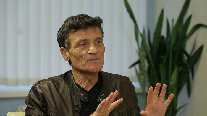 Как дантист снялся в большом кино: программа «Индустрия кино» поговорила со звездой фильма «Грех»
