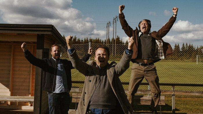 Драма «Ещё по одной» вторую неделю подряд выигрывает в топе продаж российских онлайн-кинотеатров от «Фильм Про»