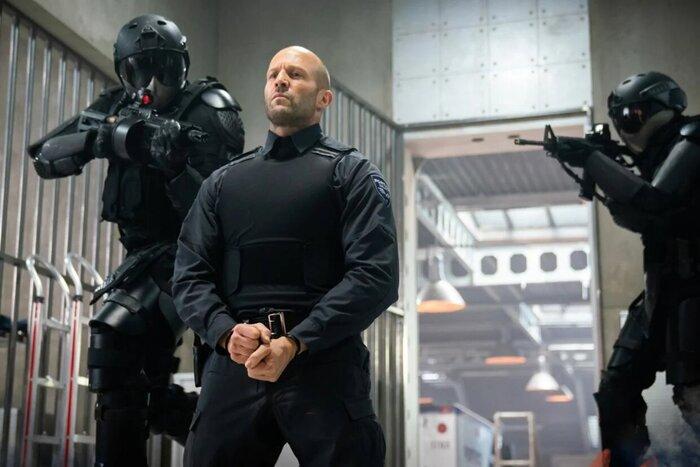 Экшен «Гнев человеческий» дважды отметился в топе продаж российских онлайн-кинотеатров от «Фильм Про»